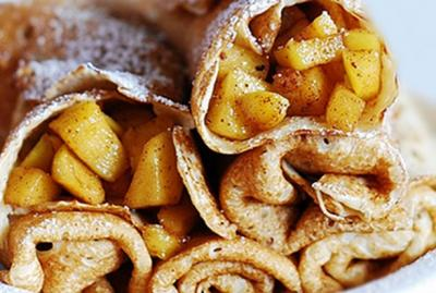 crepe-aux-pommes-et-caramel-sale