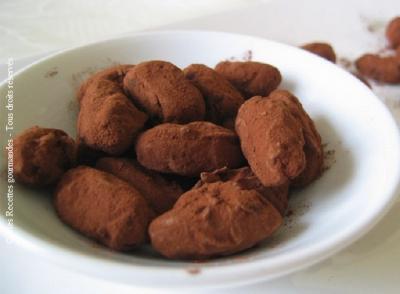 amandes-caramelisees-au-chocolat-et-piment-d-espelette