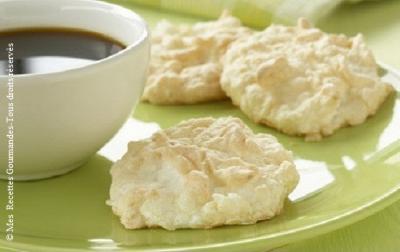biscuits-a-la-meringue-et-noix-de-coco