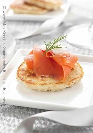 blinis-au-sarrasin-et-saumon-fume