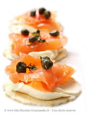 blinis-au-saumon-fume-et-cottage-cheese