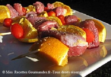 brochettes-de-filet-canard-orange-tomates-cerises