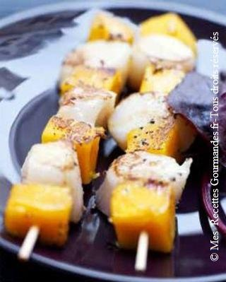 brochettes-de-mangue-et-saint-jacques