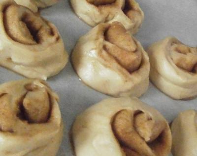 Cinnamon rolls20071212