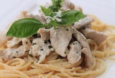 Emince de poulet sauce basilic2010