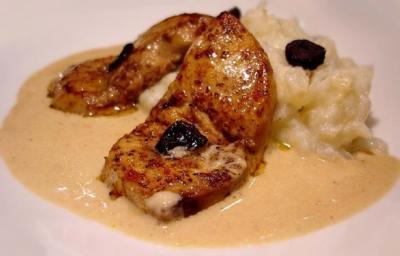 Escalopes de foie gras et sa puree truffee