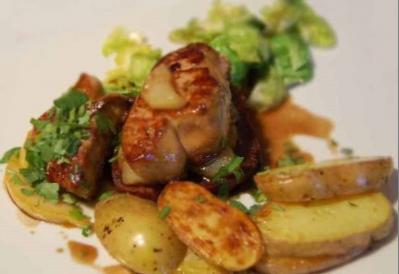 Foie gras et poire sur pain d epices