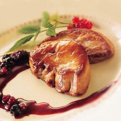 Foie gras poele aux fruits rouges