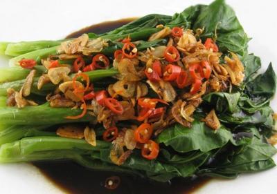 Porc thaï et Gai Lan à l'échalote et  piments