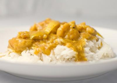 Lotte au curry et lait de coco