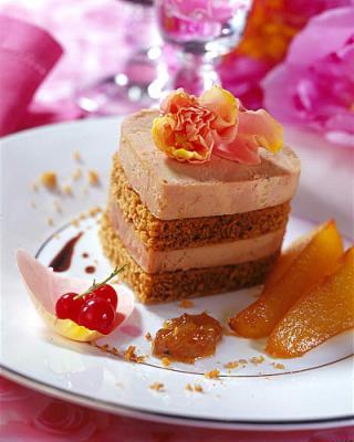 Millefeuille de foie gras au pain d epices et poires caramelisees