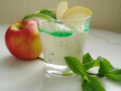 Mousse aux pommes et  menthe fraiche