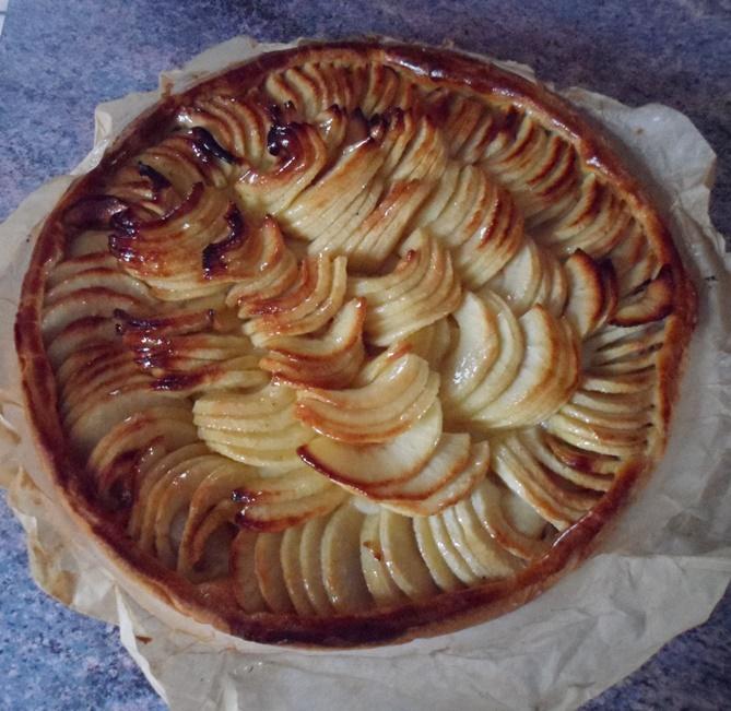 Tarte aux Pommes et compote