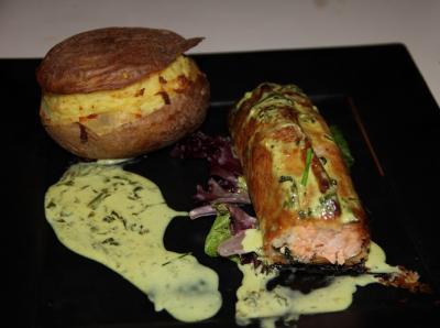 Saumon en croute et sa creme d oseille2014