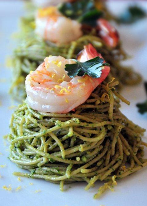 Spaghetti aux crevettes et pesto2008-6-10