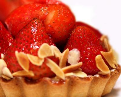 Tarte au fraise et amandes20051007