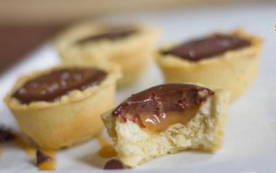 Tartelettes au caramel beurre sale et chocolat20070216