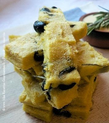 terrine-de-polenta-au-romarin-et-aux-olives