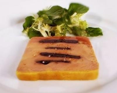terrine de foie gras mi cuit aux pruneaux. Black Bedroom Furniture Sets. Home Design Ideas