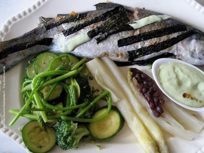 truite-asperges-legumes-verts-et-tofu